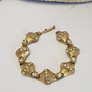 Elegant vintage gold tone bracelet